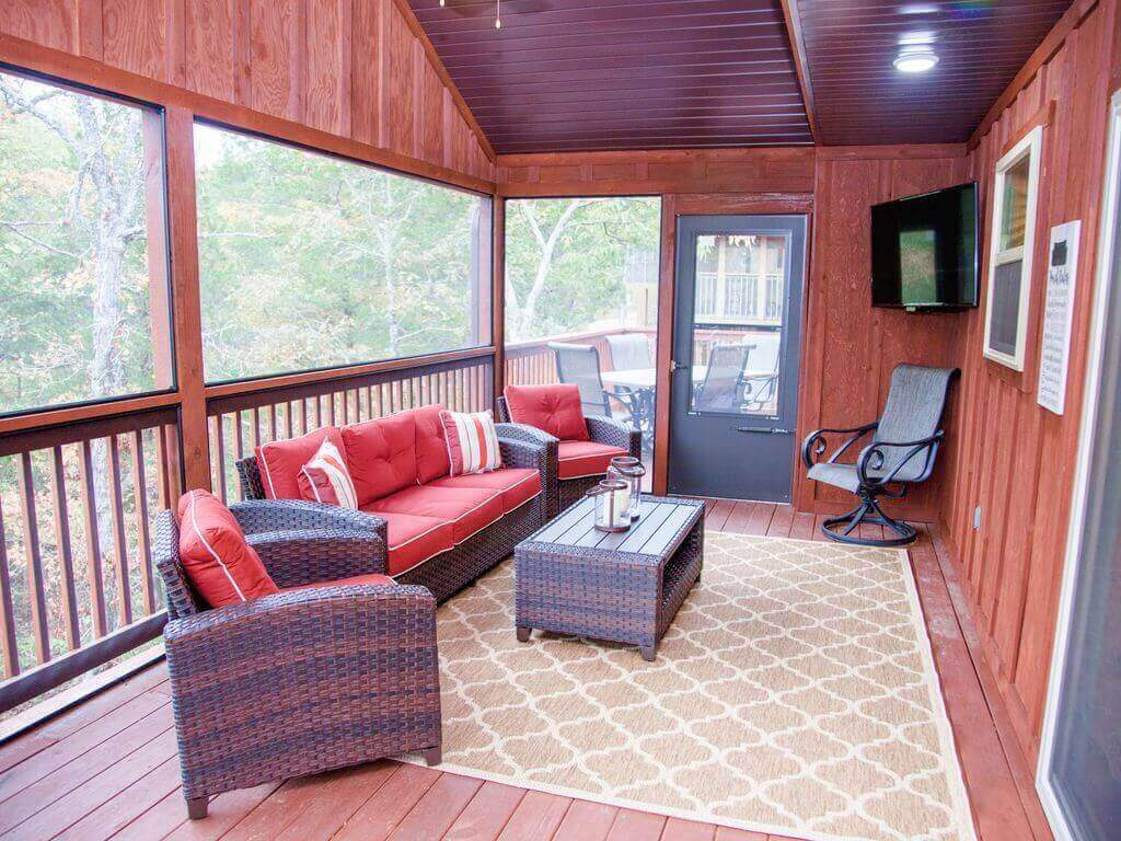 LODGE SCREENED IN PORCH